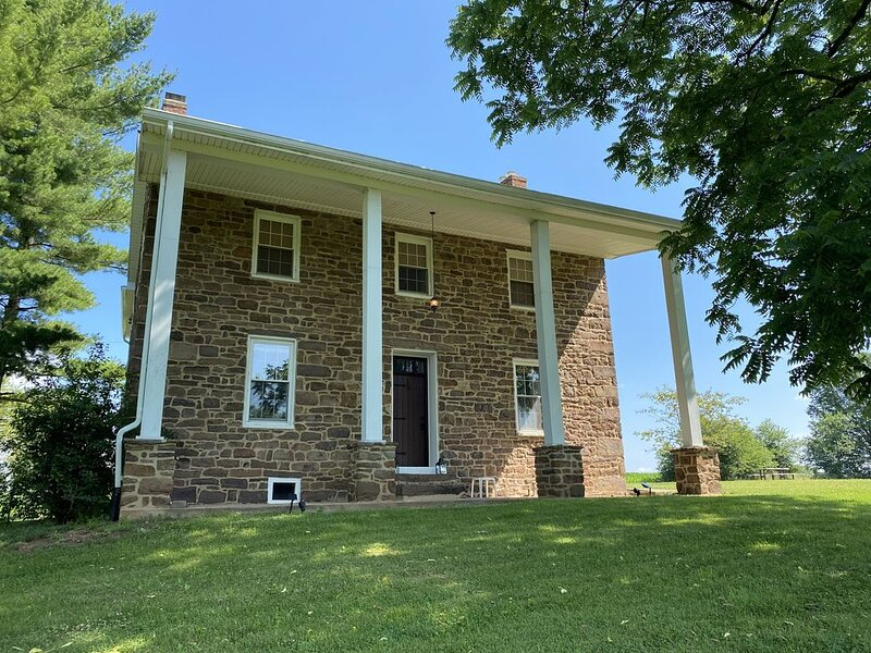 Monocacy River Farmhouse, vacation rental in Waynesboro