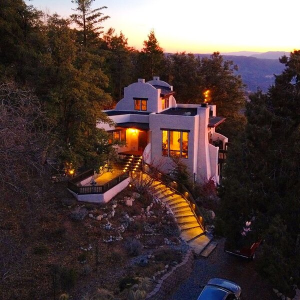 Sunset Acres*Romantic*Epic Views*5 acres*Luxury*private trails* 1 mile to town, casa vacanza a Idyllwild