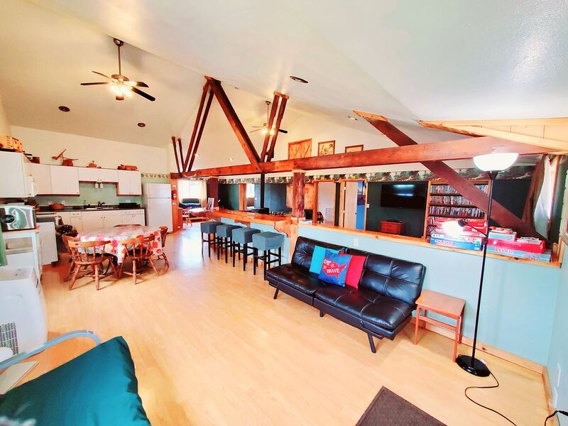 Soaring Heights Loft, Home Away From Home, alquiler vacacional en Beaver