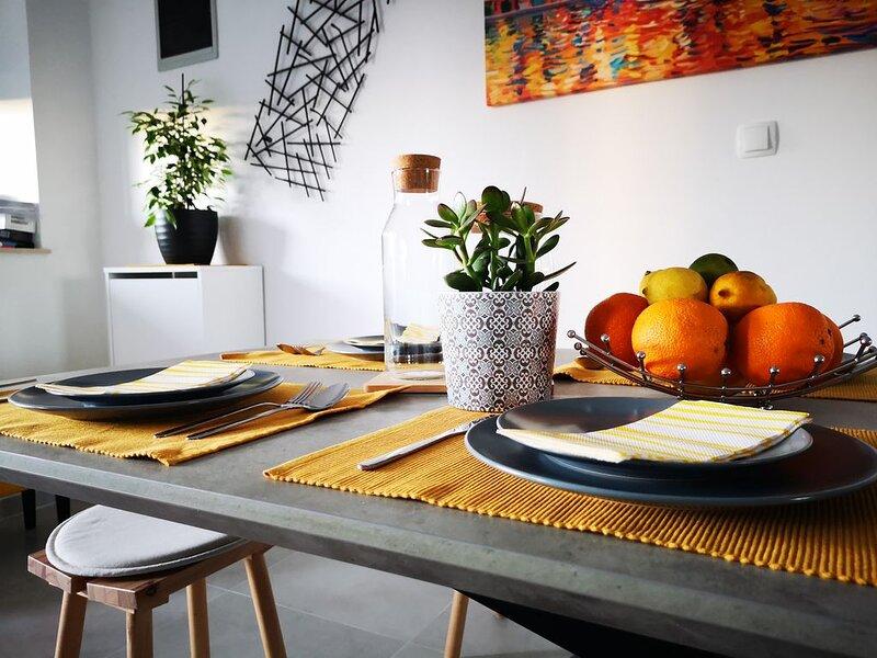 Apartment Sunrise*** Suite 1, holiday rental in Pavicini