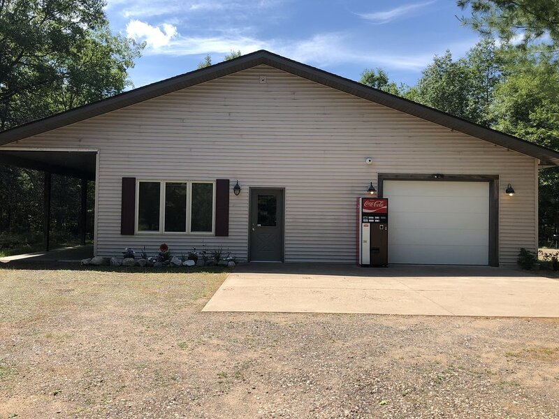 Modern home , Great Retreat Nestled  in the Beautiful Northwoods ...Adventures!, casa vacanza a Boulder Junction