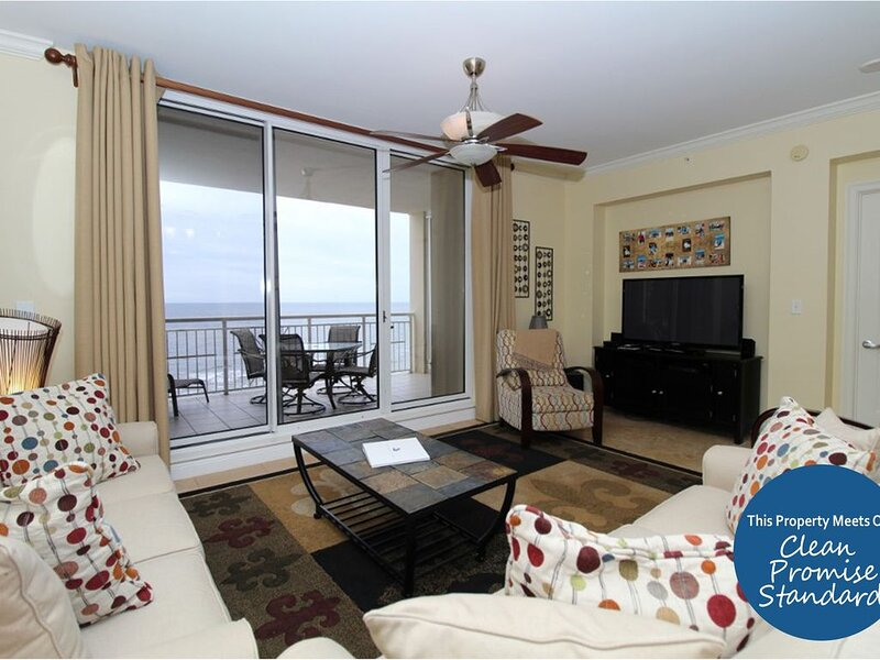 Awesome Indigo Unit on Gulf- Huge TV, Fab Decor, Views & Beach Service!*, location de vacances à Perdido Key