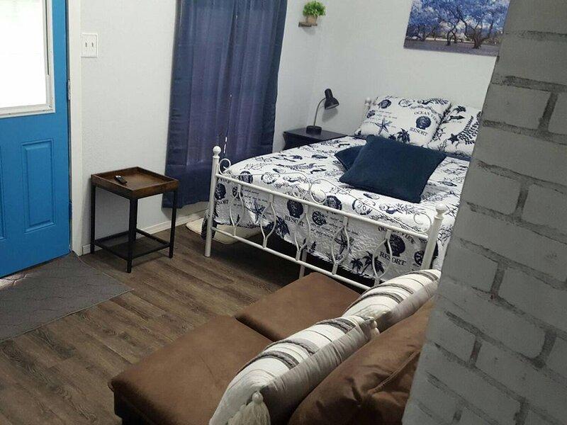 Inexpensive Simple Small Space, Pet Friendly, location de vacances à Copperas Cove