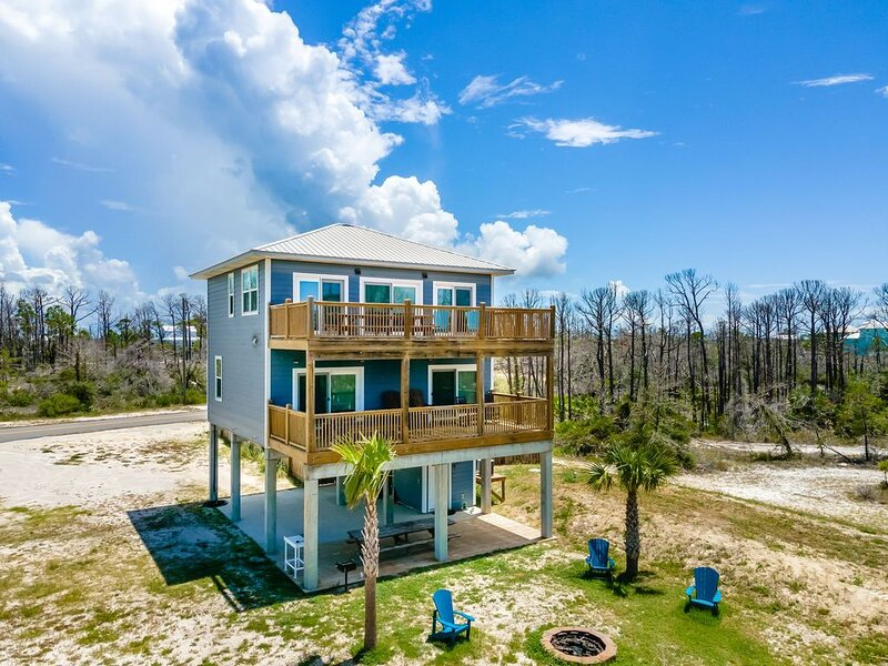 Gulf View Walk To Beach Pet Friendly Private Pool Fenced Yard Monthly Available!, holiday rental in Port Saint Joe