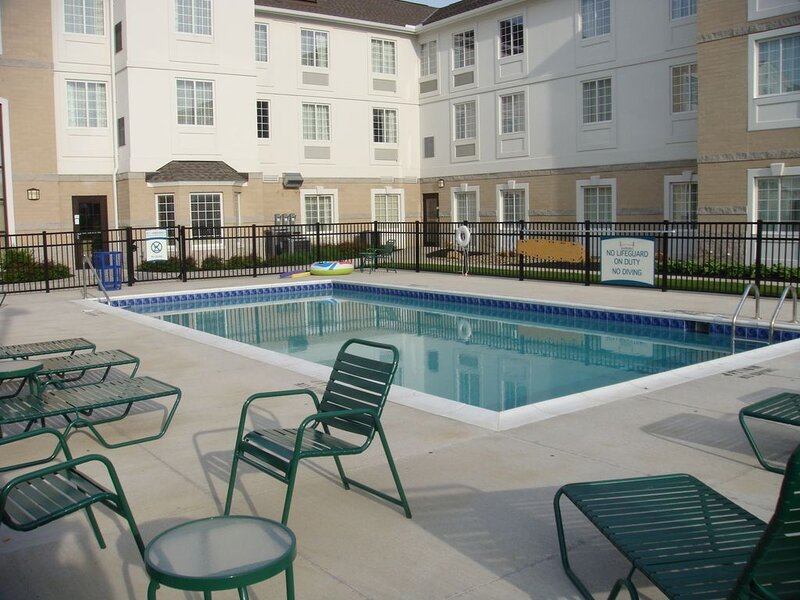 King Suite with a Jacuzzi Tub | 24-Hour Business Center, Fitness Center + Free D, holiday rental in Aurora