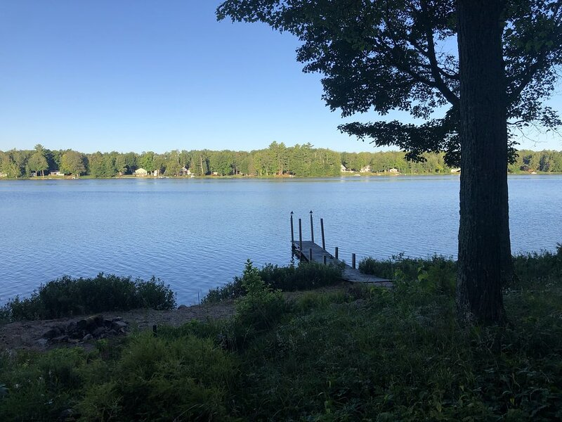 Lake Cabin in the Heart of the Hiawatha National Forest, alquiler de vacaciones en Au Train