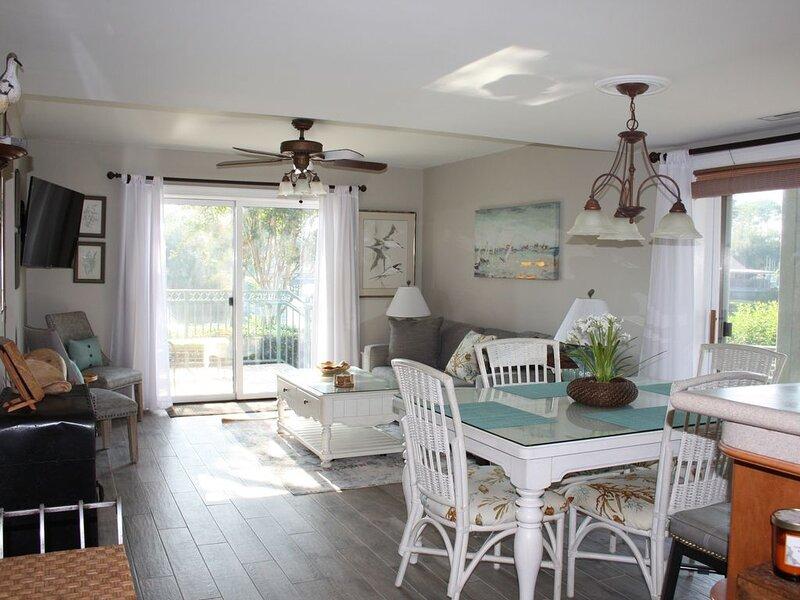 2br/2 Ba Island Club Resort, 150 Yards From The Best Beach On Hilton Head Island, holiday rental in Hilton Head
