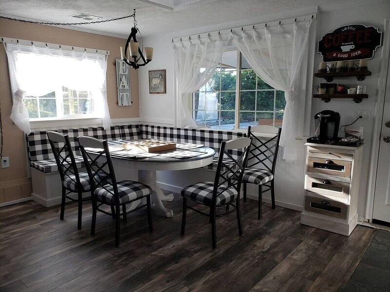 Langel Creek Ranch Guest House, casa vacanza a Trail