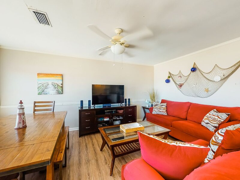 Dog-friendly home with sound-side deck, full kitchen, & fantastic views, holiday rental in Coden