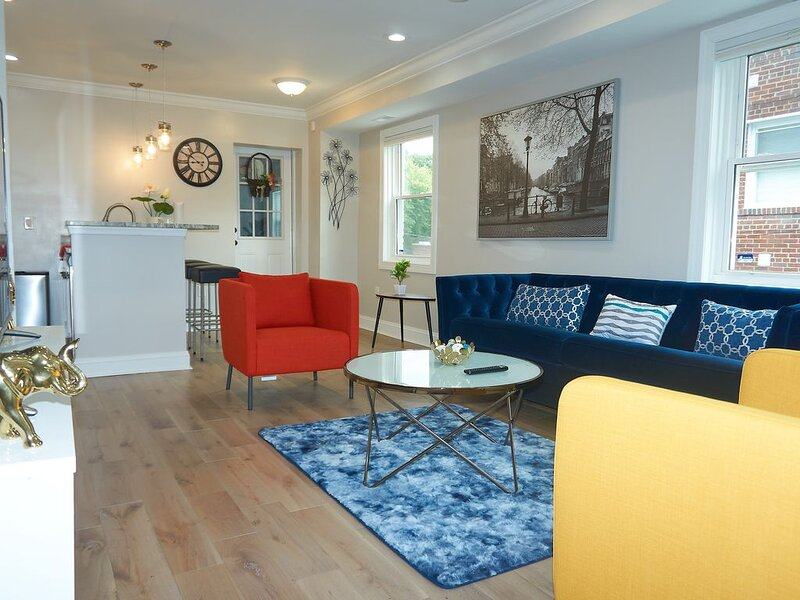 Modern Touches & Super clean DC Downtown Home, alquiler de vacaciones en Oxon Hill
