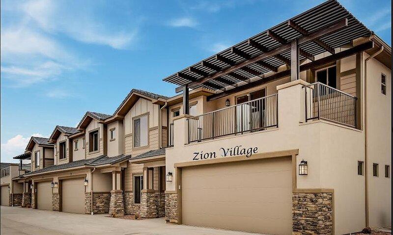 NEW�Spacious, Zion Village 7BD/6BA, Sleeps 36+, Pool, Lazy River, View, alquiler de vacaciones en Leeds