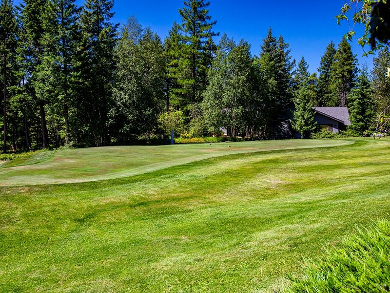 Town Home w/ Private Hot Tub, Sleeps 8 in Meadow Lake Resort and Golf Course, alquiler de vacaciones en Columbia Falls