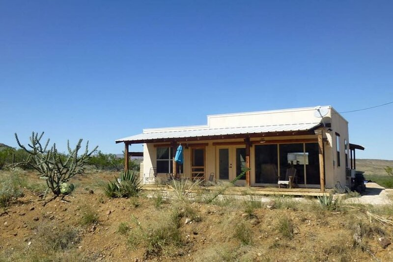 Crystal Valley Cabin: Modern-Rustic Style&Comfort, holiday rental in Big Bend National Park