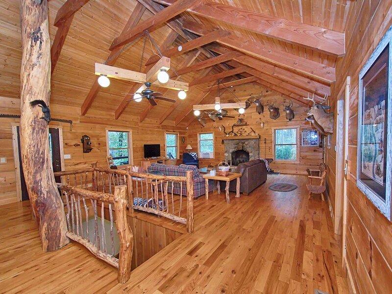 Serenity Lodge in Hocking Hills, aluguéis de temporada em Starr