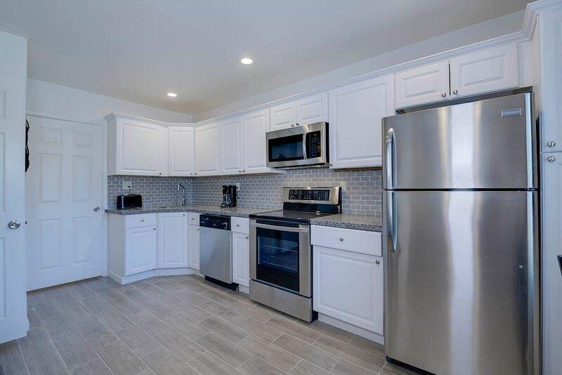 37B- Casa Grande Condo full remodel w HEATED POOL, vacation rental in Arizona City
