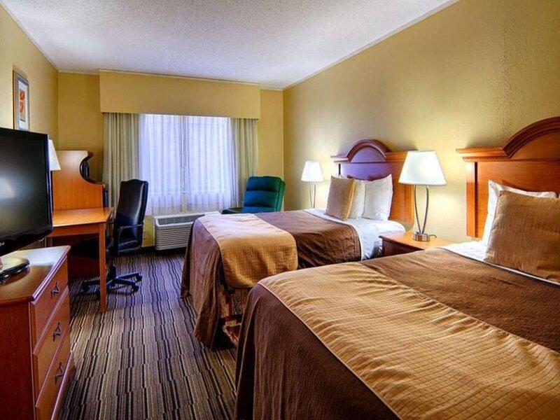 Norwood Inn Mankato - 2 Double Bed Suite Non Smoking, alquiler de vacaciones en Mankato