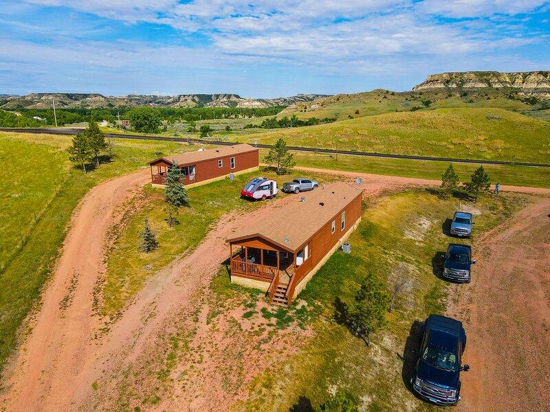 Boots Badlands Cabin Medora 2 BR 1B, holiday rental in Medora