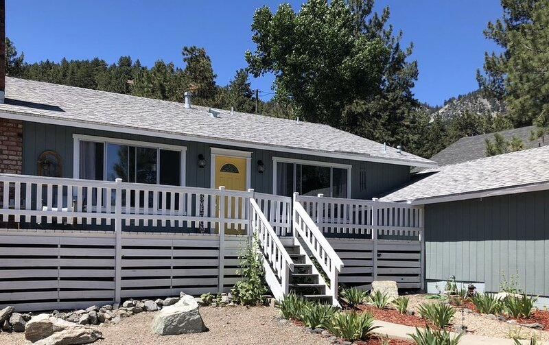 R & R Wrightwood Canyon Cabin, casa vacanza a Rancho Cucamonga
