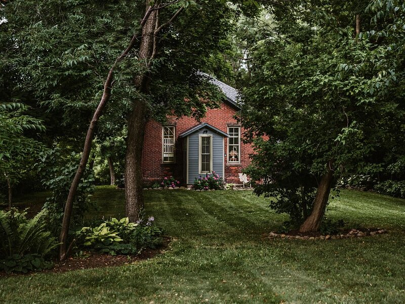 Charmingly Restored, Converted One-Room Brick Schoolhouse, vacation rental in Chautauqua County
