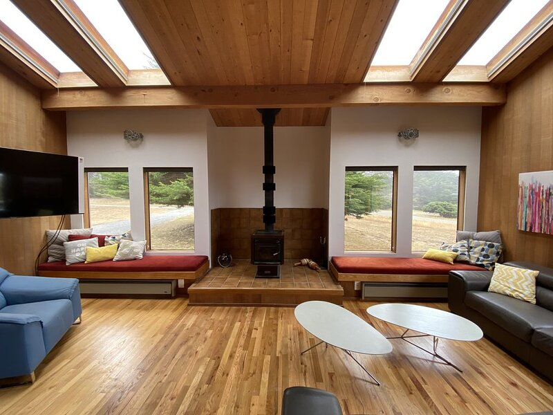 Holiday House: Peaceful, large Sea Ranch retreat – semesterbostad i The Sea Ranch