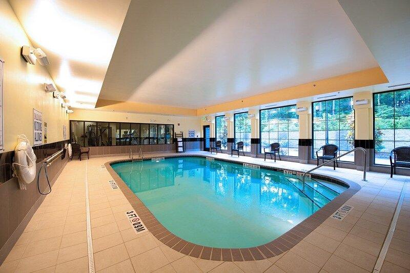 Pool. Free Breakfast. Gym. Near Wrightsville Beach., vacation rental in Wilmington