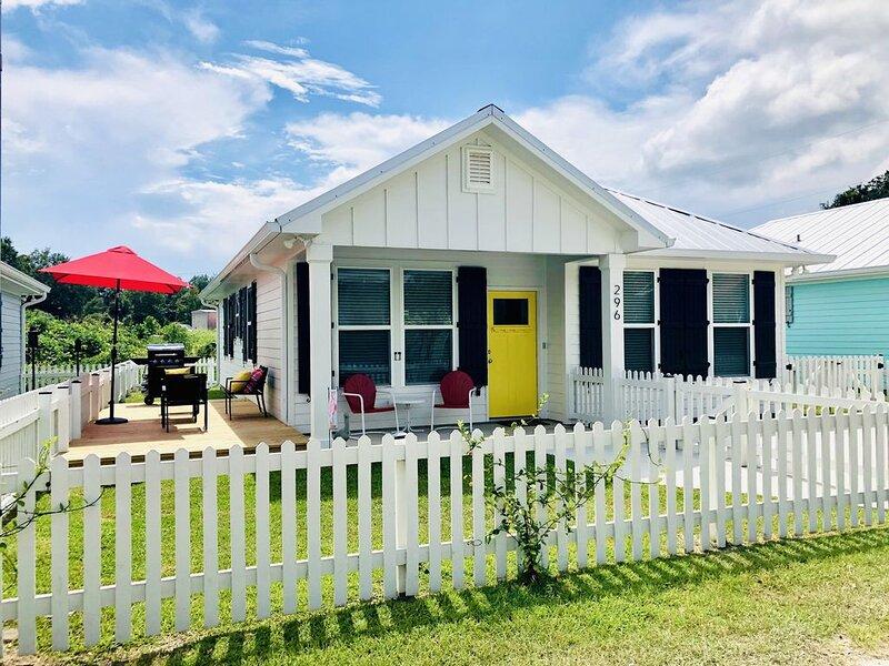 Yellow Door Cottage In The Heart of Bay St. Louis, alquiler vacacional en Bay Saint Louis