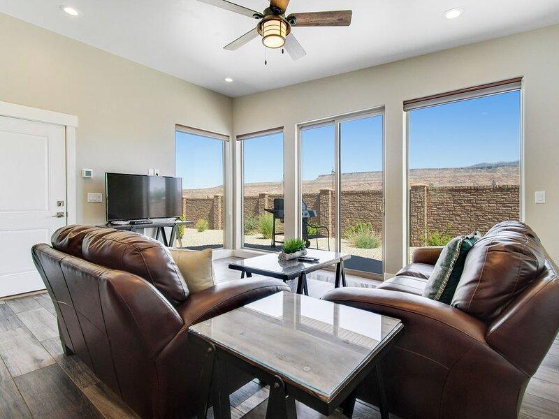 Comfortable Moab condo w/patio & views-close to Arches & downtown, location de vacances à La Sal