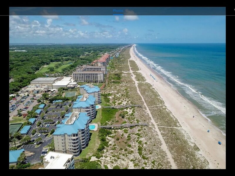 Luxury 5th Floor Oceanfront Condo next to Ritz Carlton!, aluguéis de temporada em Ilha Amélia