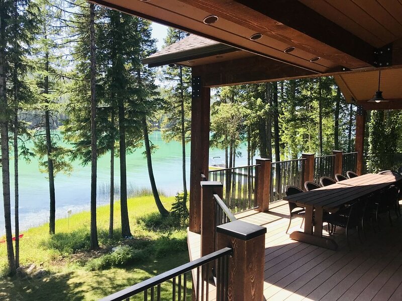*** Family Retreat on Ashley Lake. Close to Glacier & Whitefish, alquiler de vacaciones en Kila