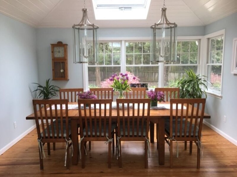 Beautiful Water Views, 2 minute walk to the beach, holiday rental in New Suffolk