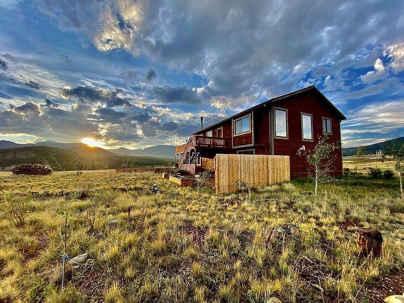 The Gateway Cedar Lodge, holiday rental in Alma