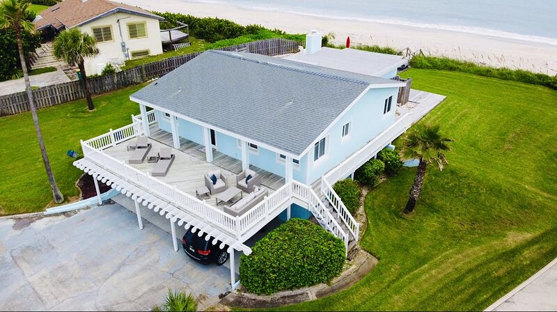 STUNNING BEACH HOUSE MELBOURNE BEACH, casa vacanza a Melbourne Beach