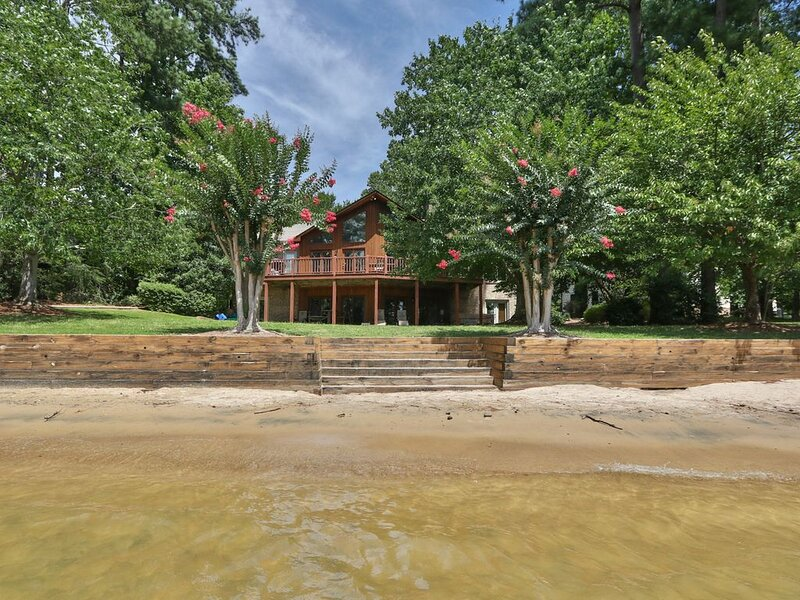 Waterfront Home with Private Beach, Dock, and Hot Tub on Lake Norman!, vacation rental in Mooresville