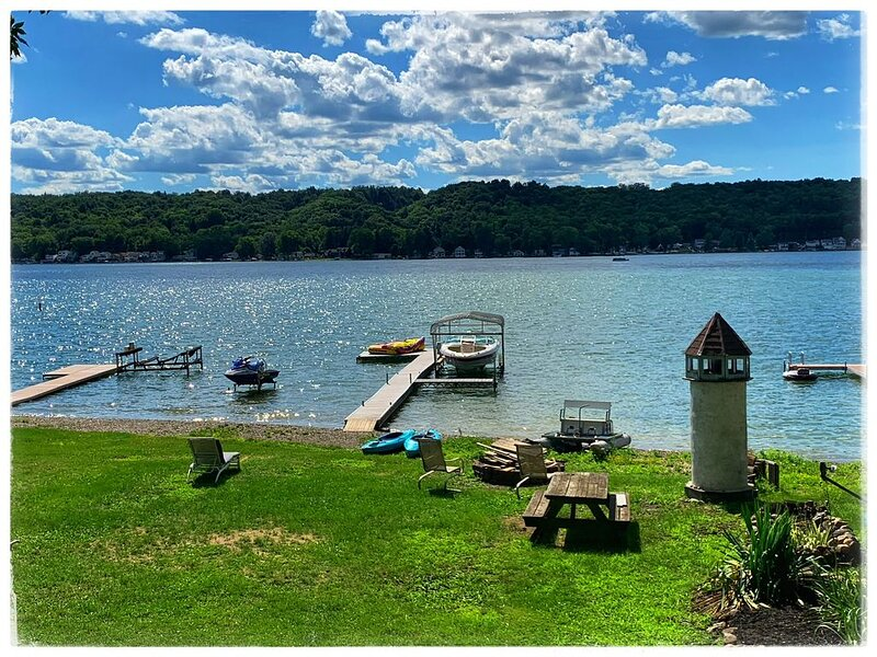 Family friendly waterfront property, holiday rental in Wayland
