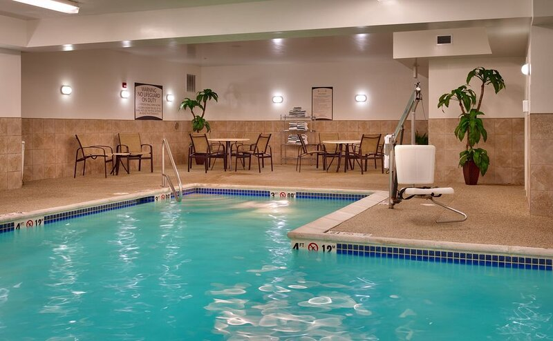 Free Breakfast. Pool. Gym. Your Next Trip!, alquiler de vacaciones en Omaha