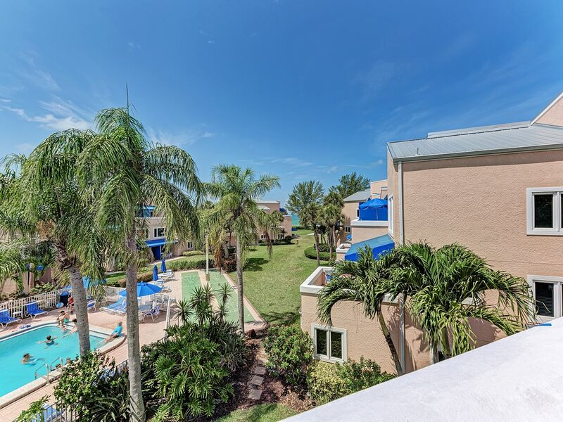 Unit #309 Enjoy great rates, just steps to the sandy beach!, holiday rental in Longboat Key