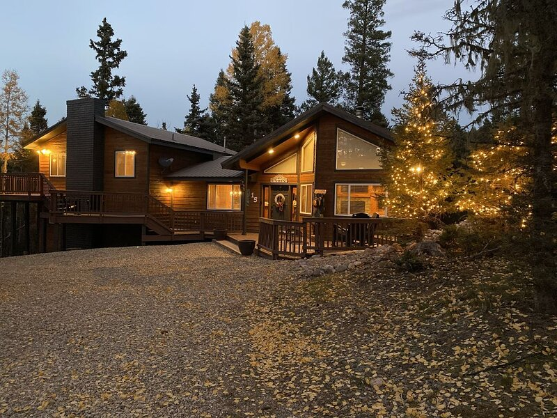The Retreat: Your favorite place to make memories!, holiday rental in Angel Fire