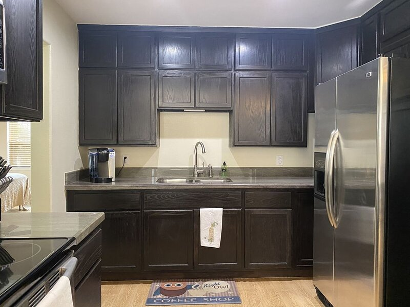 Sparkling Clean Country Club Villa, vacation rental in Brownsville