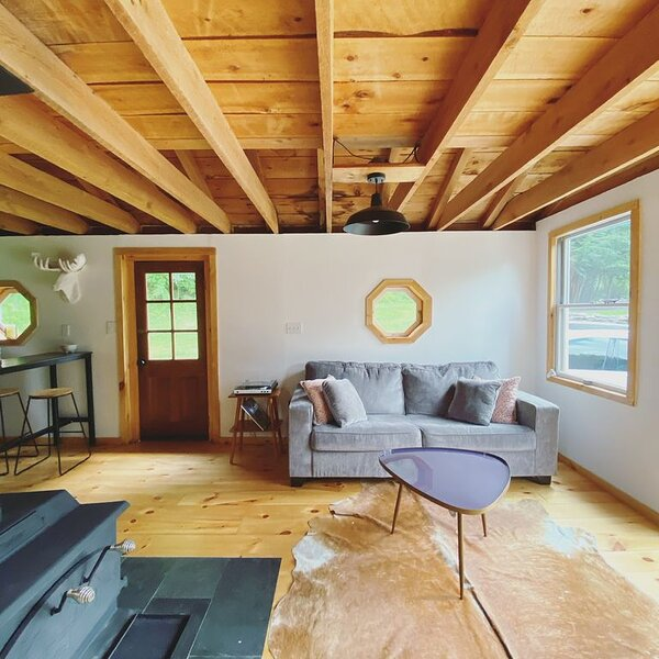 The Cabin * Park Hill, holiday rental in Downsville