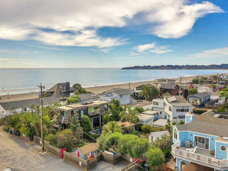 Ocean Breeze - Studio & Glamping Getaway w Hot Tub!, casa vacanza a Stinson Beach