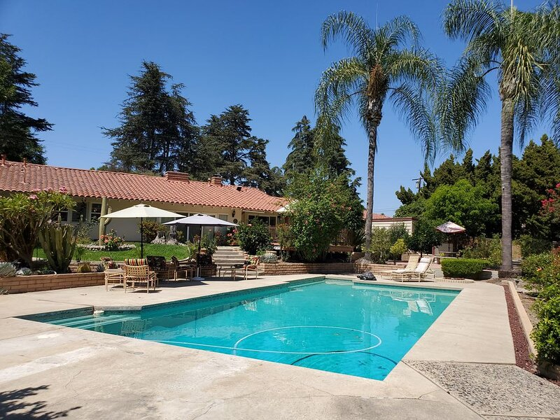Outdoor Oasis on Half an Acre, holiday rental in Whittier