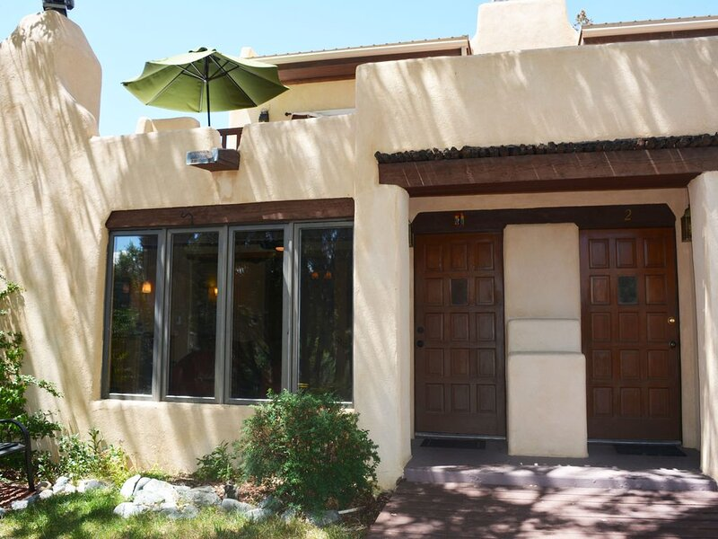 Sweet 2 Master BR/3 Bath Condo In wooded area. Sleeps 6 – semesterbostad i Arroyo Seco