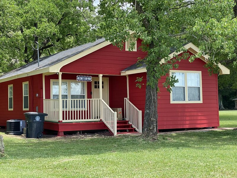 My Lil Red House...., holiday rental in Baton Rouge