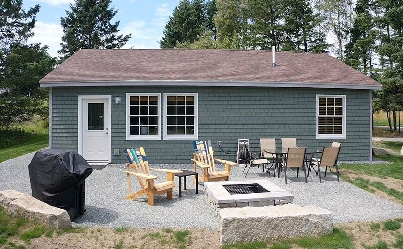 New home located near Acadia National Park and Schoodic Peninsula, holiday rental in Sullivan