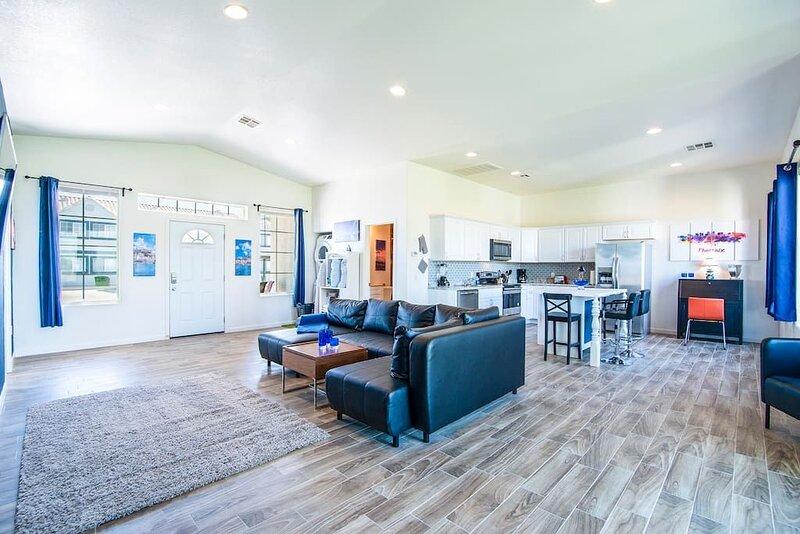 2B- Coolidge Arizona modern masterpiece 2 bd #2B, vacation rental in Arizona City