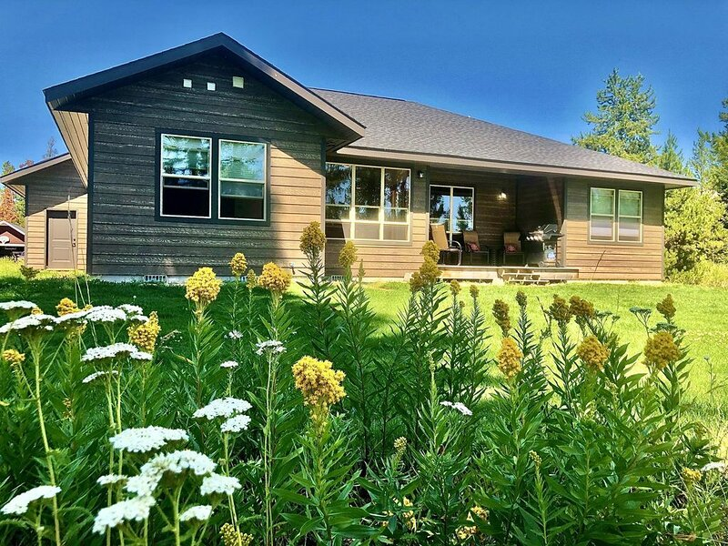New Donnelly Cabin with FAST WiFi, Close to Lake Cascade, alquiler vacacional en Donnelly