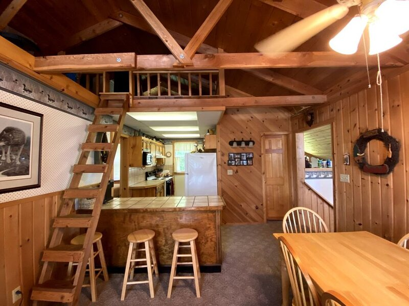 Big Sandy Lake Family Cabin - WiFi available, holiday rental in McGregor