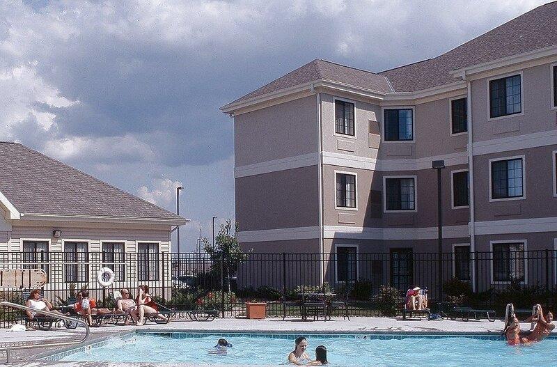 Free Breakfast Buffet. Outdoor Pool & Hot Tub. Near U of Nebraska., location de vacances à Lincoln