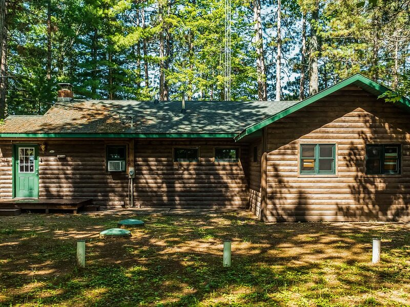 New listing! Lakefront home w/dock, swimming area, kayaks, sunset views, vacation rental in Lac du Flambeau