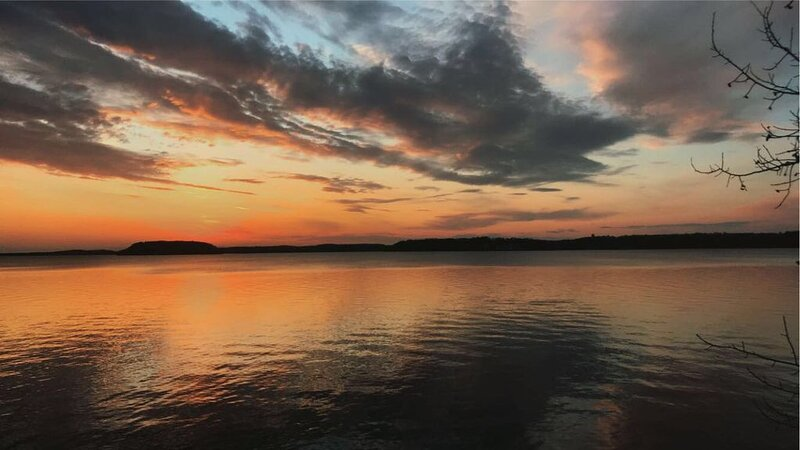 Private Lakeside Living with Best Sunsets on Green Lake., holiday rental in Marquette